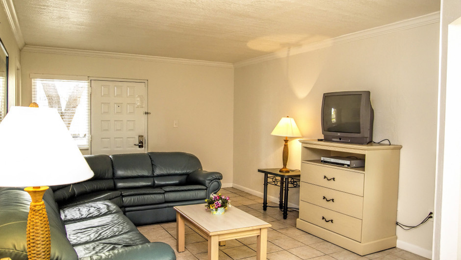 Club Orlando one-bedroom villa living room with queen sleeper sofa   Club Orlando   Westgate Resorts