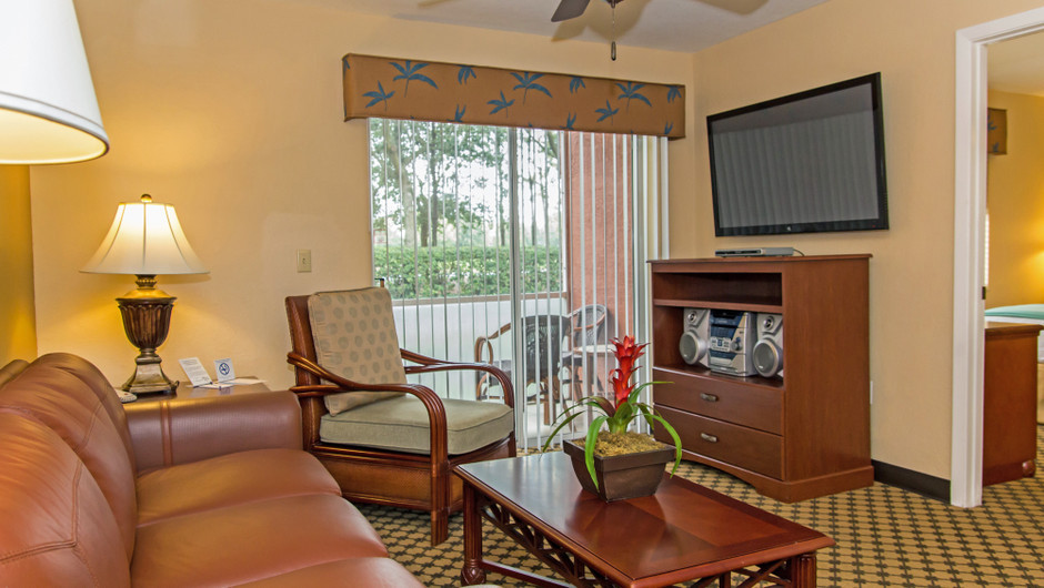 Living Area in One Bedroom Villa at one of our leisure hotels near Seaworld Orlando FL | Westgate Leisure Resort | Westgate Resorts