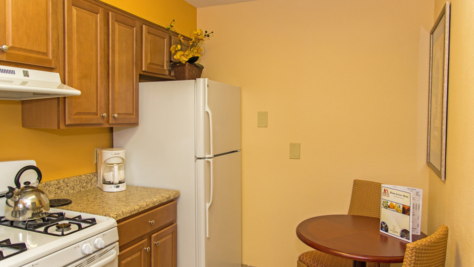Kitchen in One Bedroom Villa at one of our leisure hotels near Seaworld Orlando FL | Westgate Leisure Resort | Westgate Resorts