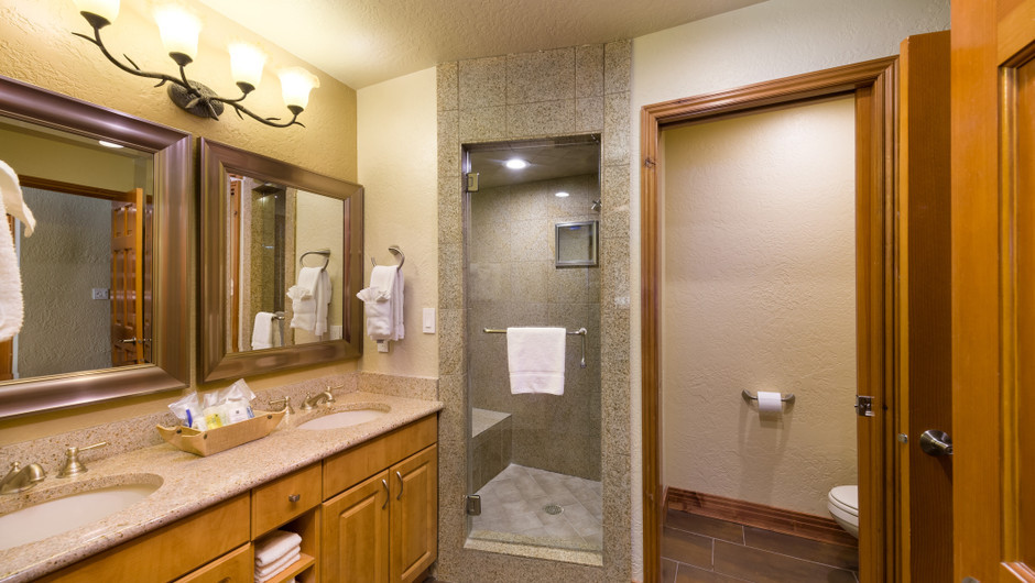 Signature One-Bedroom Villa Bath View at our Park City Ski Resort in Utah | Westgate Park City Resort & Spa | Westgate Ski Resorts
