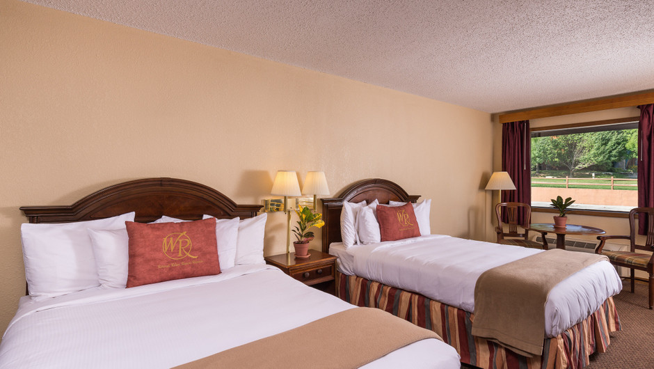 Traditional Queen Guestroom | Westgate Branson Woods Resort | Westgate Resorts