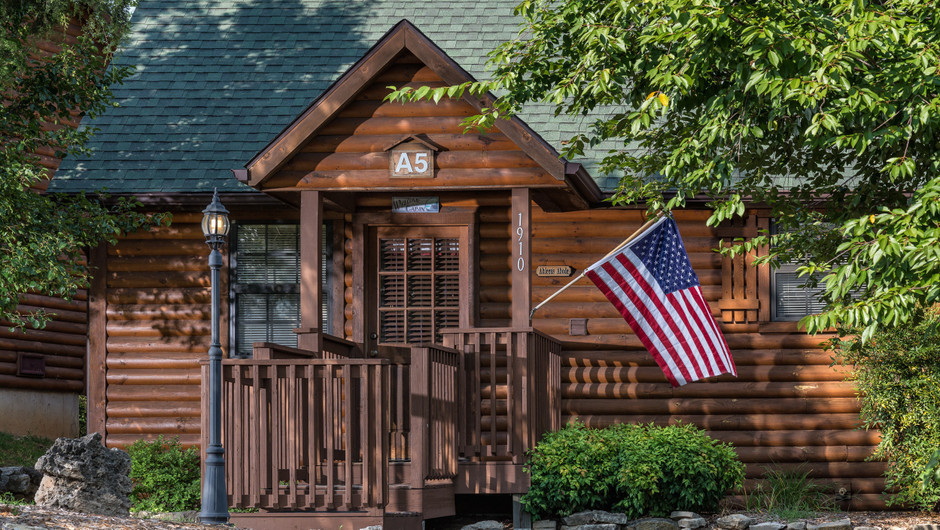 Outside the Two-Bedroom Cabins in Branson Missouri Hotel | Westgate Branson Woods Resort | Westgate Resorts