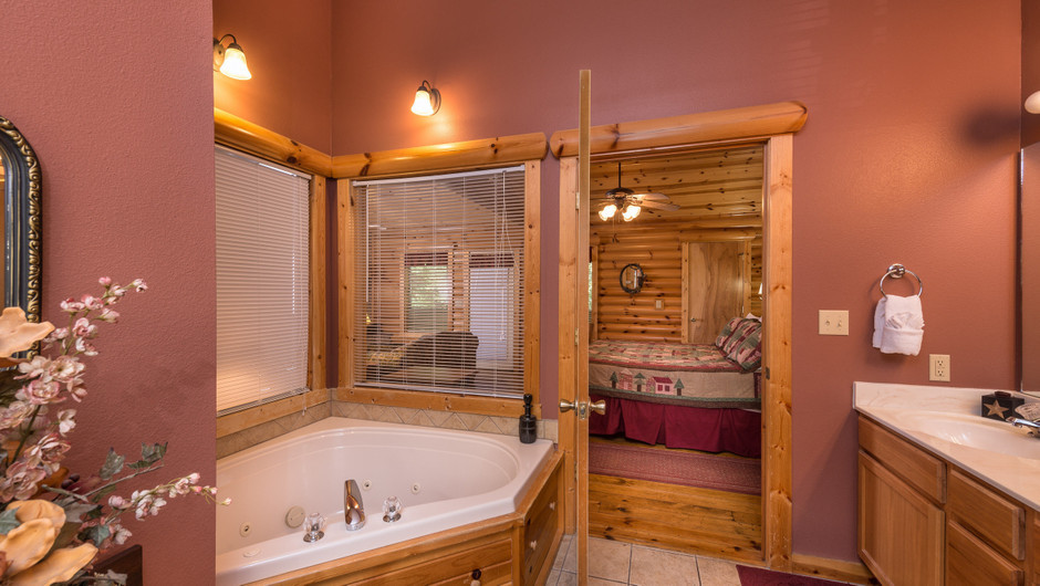 Bathroom in One-Bedroom Branson MO Cabins | Westgate Branson Woods Resort | Westgate Resorts