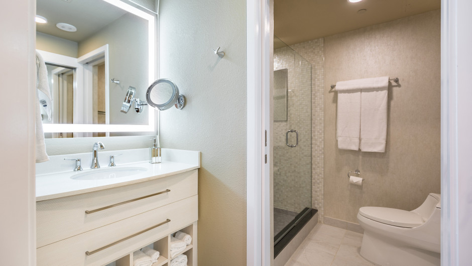 Studio Suite Bathroom - Westgate Las Vegas