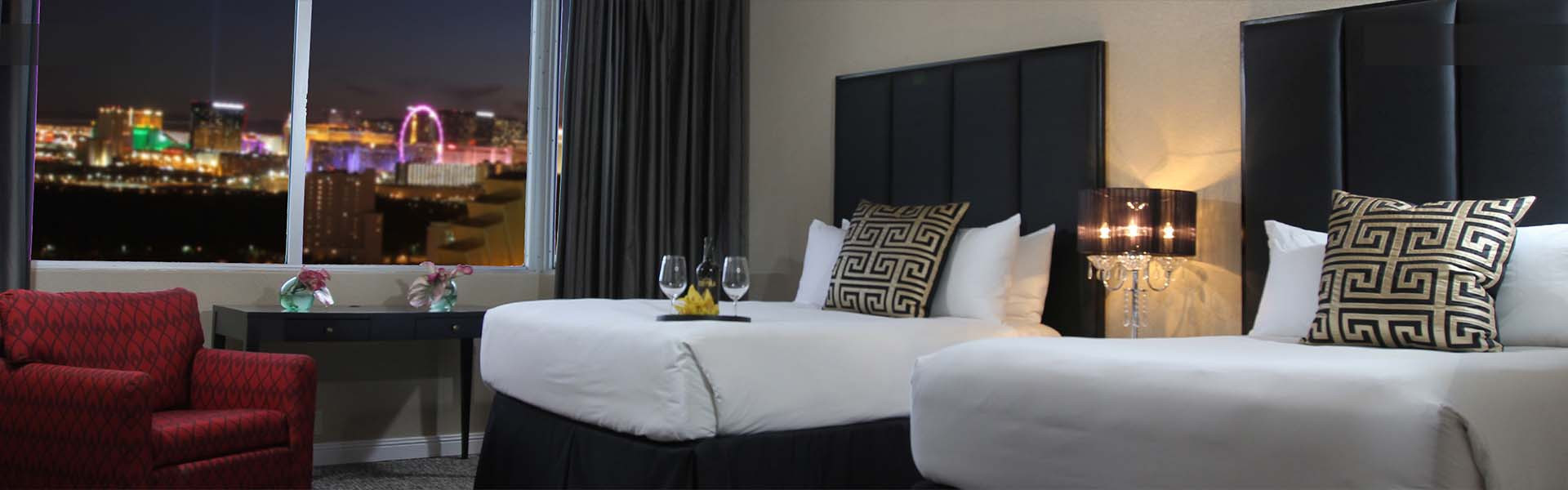 Las Vegas Hotel and Casino Overview   Luxurious Suites with Spectacular Views