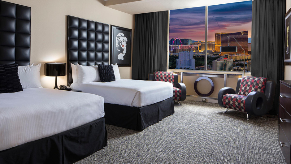 Signature Room with city views | Westgate Las Vegas Resort