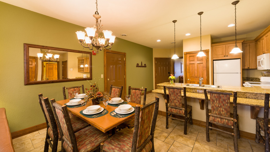 3 Bedroom Suites at Our Gatlinburg Resort near the Smoky Mountains | Spacious Dining Area