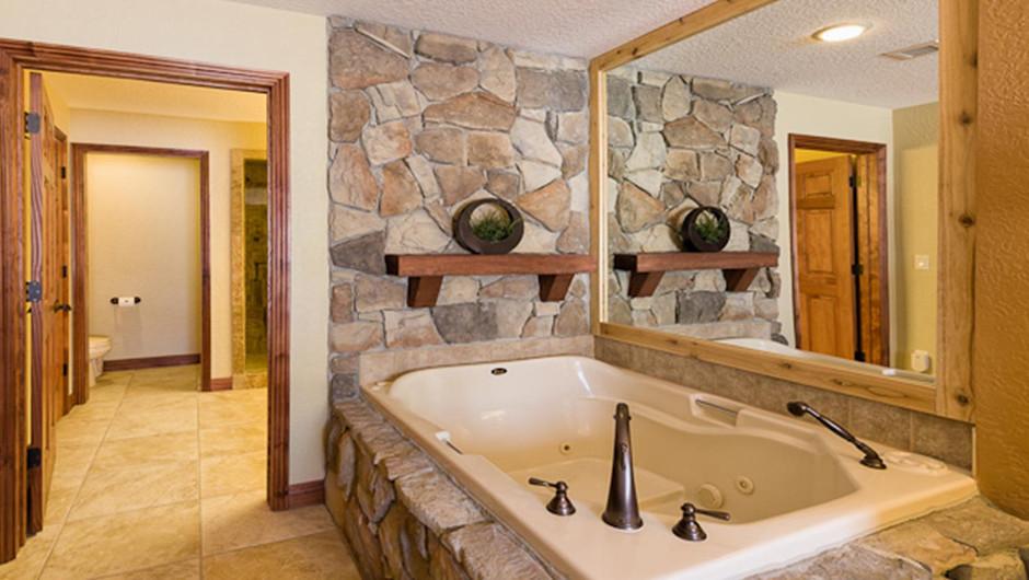 Luxury One-Bedroom Villa Bathtub in our Park City Ski Resort in Utah | Westgate Park City Resort & Spa | Westgate Resorts