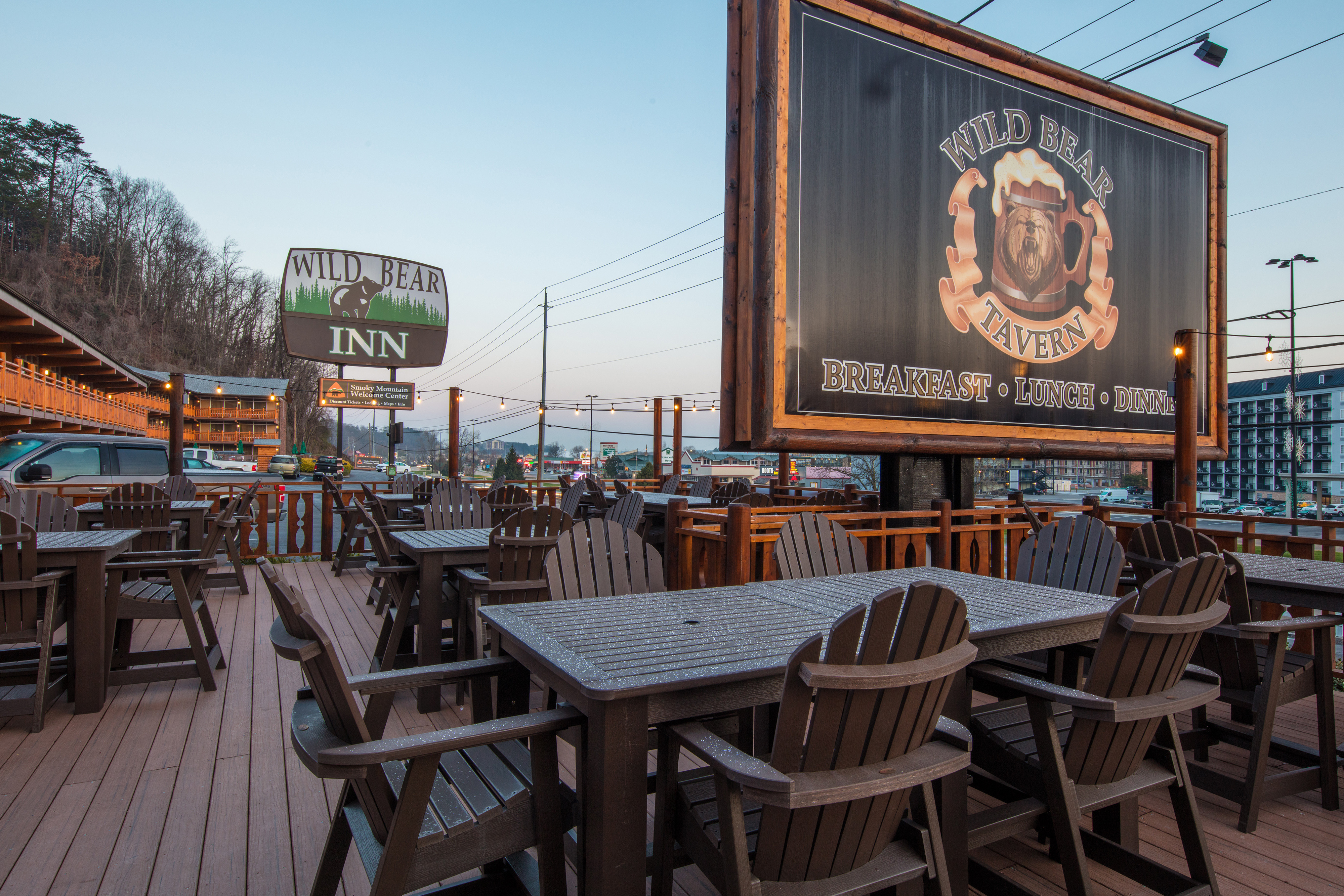Discount Hotel Room Rates at a Pigeon Forge TN Hotel Near the Great Smoky Mountains National Park | Wild Bear Inn
