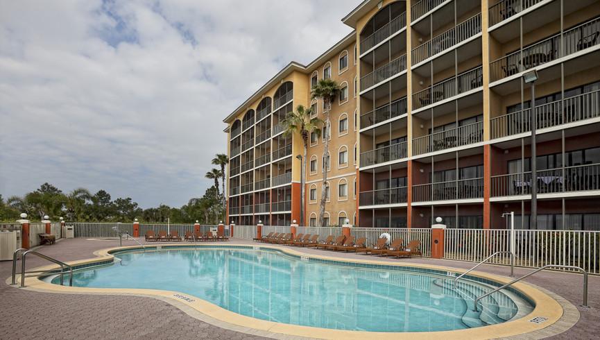 Pool near Disney Orlando at our Orlando resorts | Westgate Towers Resort | Westgate Resorts