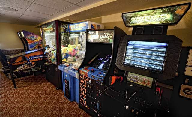Game room near Disney Orlando at our Orlando resorts | Westgate Towers Resort | Westgate Resorts