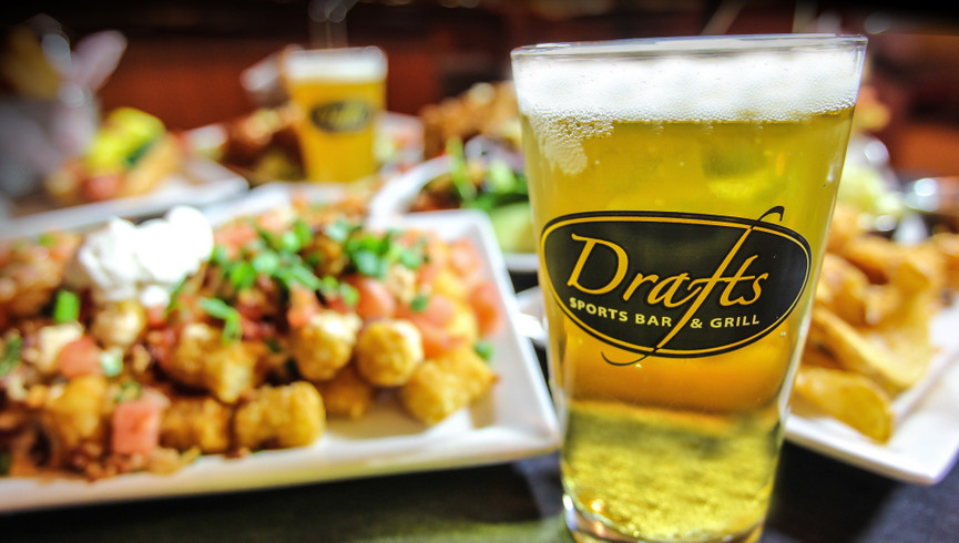 Drafts Sports Bar at one of our resorts in Kissimmee FL | Westgate Vacation Villas Resort & Spa | Westgate Resorts