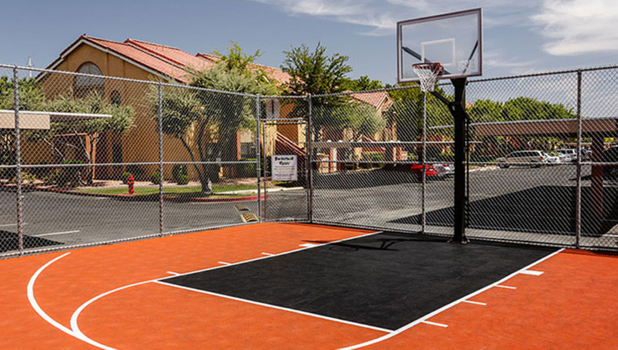 Basketball courts at our Flamingo Las Vegas hotel | Westgate Flamingo Bay Resort | Westgate Resorts in Las Vegas NV