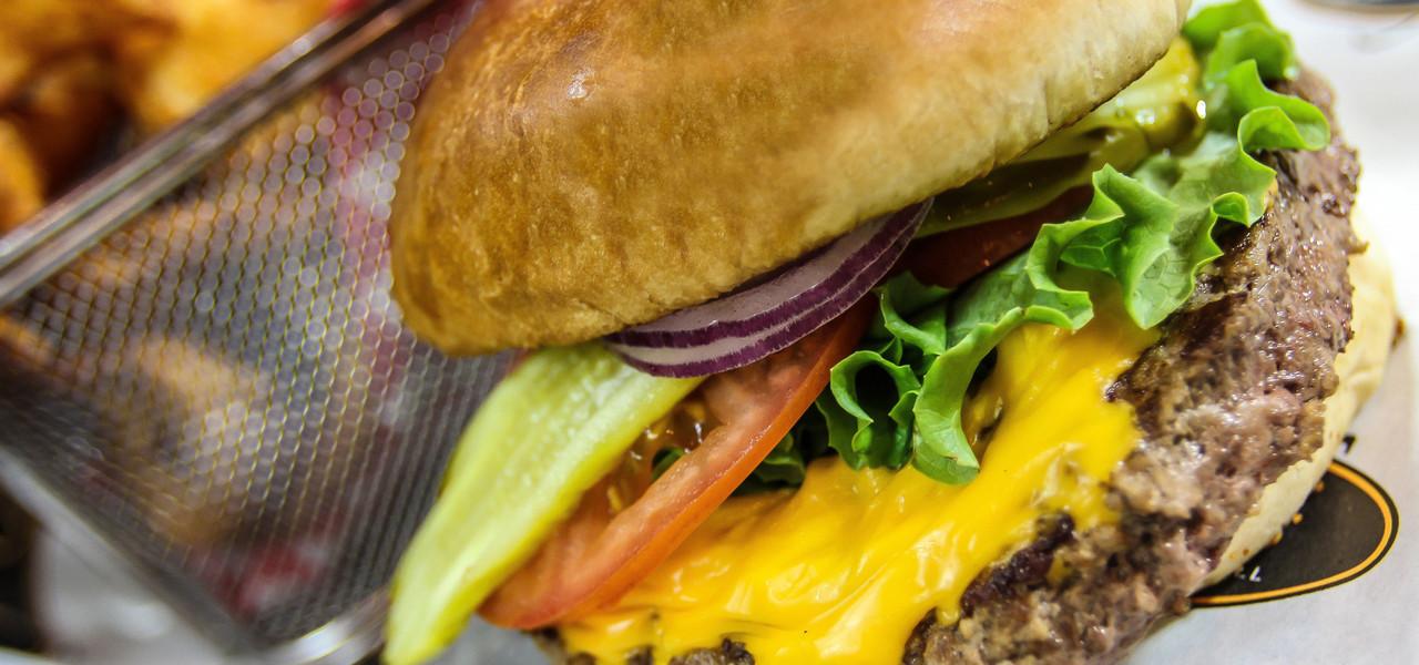 Hamburger at Drafts Sports Bar in Myrtle Beach SC | Westgate Myrtle Beach Oceanfront Resort | Westgate Resorts
