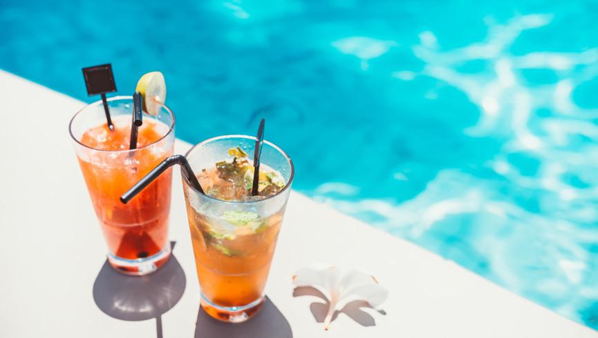 Drinks by the pool | Westgate Las Vegas Resort