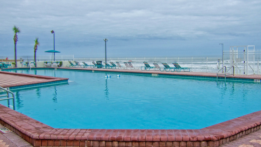 Pool at Balcony at one of our Daytona Beach resorts | Harbour Beach Resort | Westgate Resorts