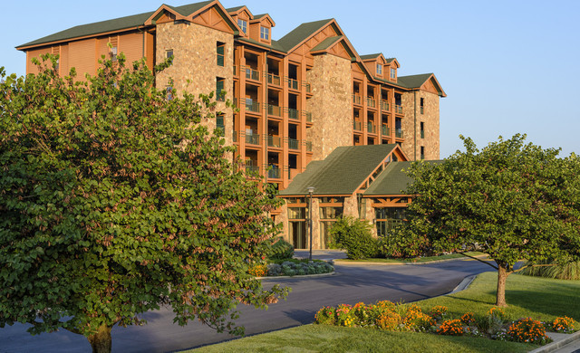 Rated #1 For Outdoor Wedding Venues In Branson - Westgate Branson Woods Resort