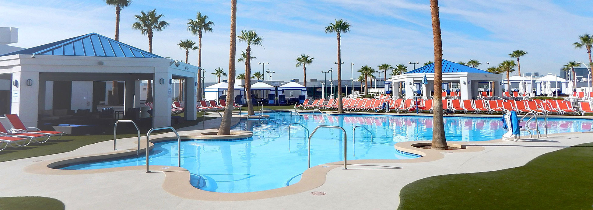 Amenities at our Las Vegas Hotel and Casino | Large Outdoor Pool