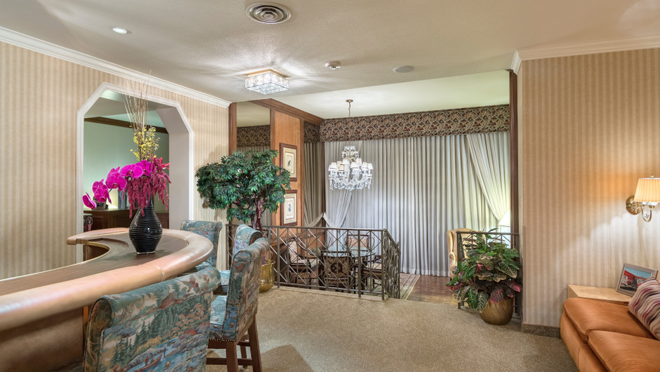 Living Area in the Barron Hilton Suite | Westgate Las Vegas Resort