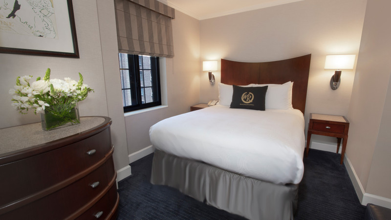 Accommodation Option -   signature-one-bedroom-queen-suite