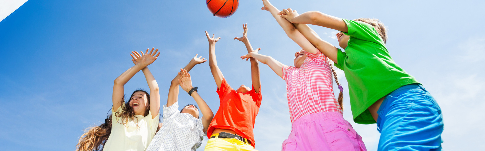 Kids having fun at our basketball courts in Orlando Florida | Basketball & Tennis Courts | Westgate Lakes Resort & Spa