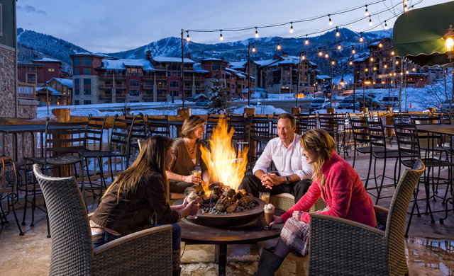 Marketplace in our Park City, Utah Hotel and Ski Resort | Outdoor Dining Patio