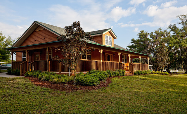Horseback Riding Orlando Florida | Cabin with Wraparound Porch