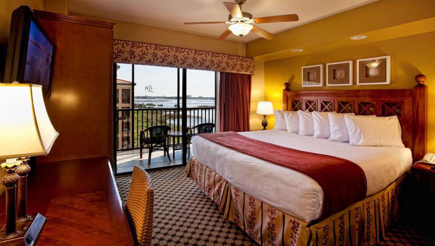 Spacious Villas with King Beds at a Lakefront Orlando Florida Resort | Westgate Lakes Resort & Spa