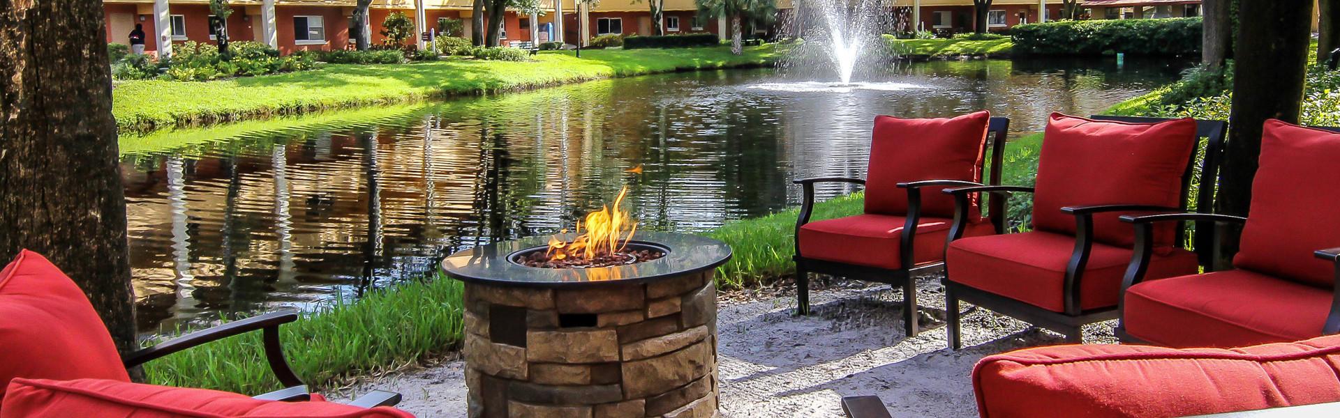 Hotel in Orlando, FL 32821 | Lakeside Fire Pit