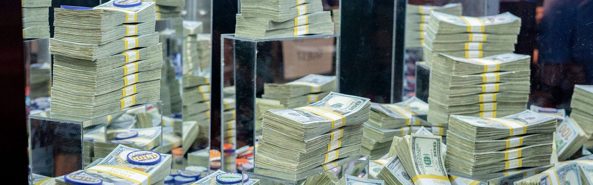 Supercontest Gold Standings at our Las Vegas Hotel and Casino | Stacks of Cash