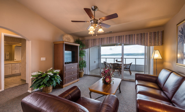 Branson Table Rock Lake Resort at Emerald Pointe | Villa Living Area