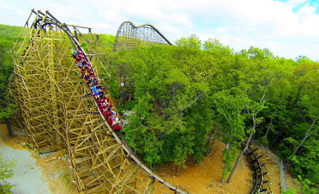 Advanced Purchase Rate at our Branson Hotel near Roark Valley Road | Silver Dollar City Theme Park