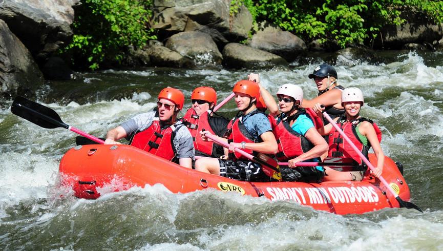 Gatlinburg Spa near the Smoky Mountains   Whitewater Rafting