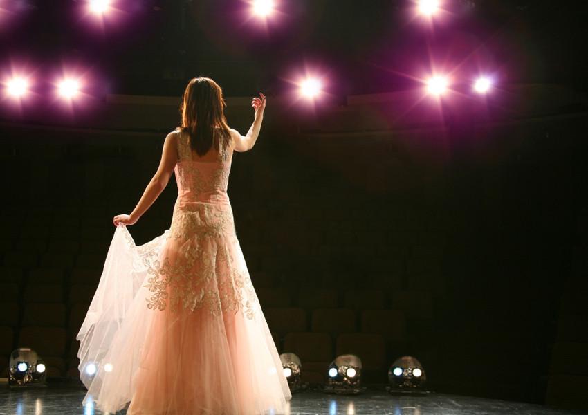 Opera Singer | Westgate New York Grand Central