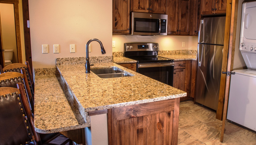 Gatlinburg Resort near the Smoky Mountains | Large Kitchens