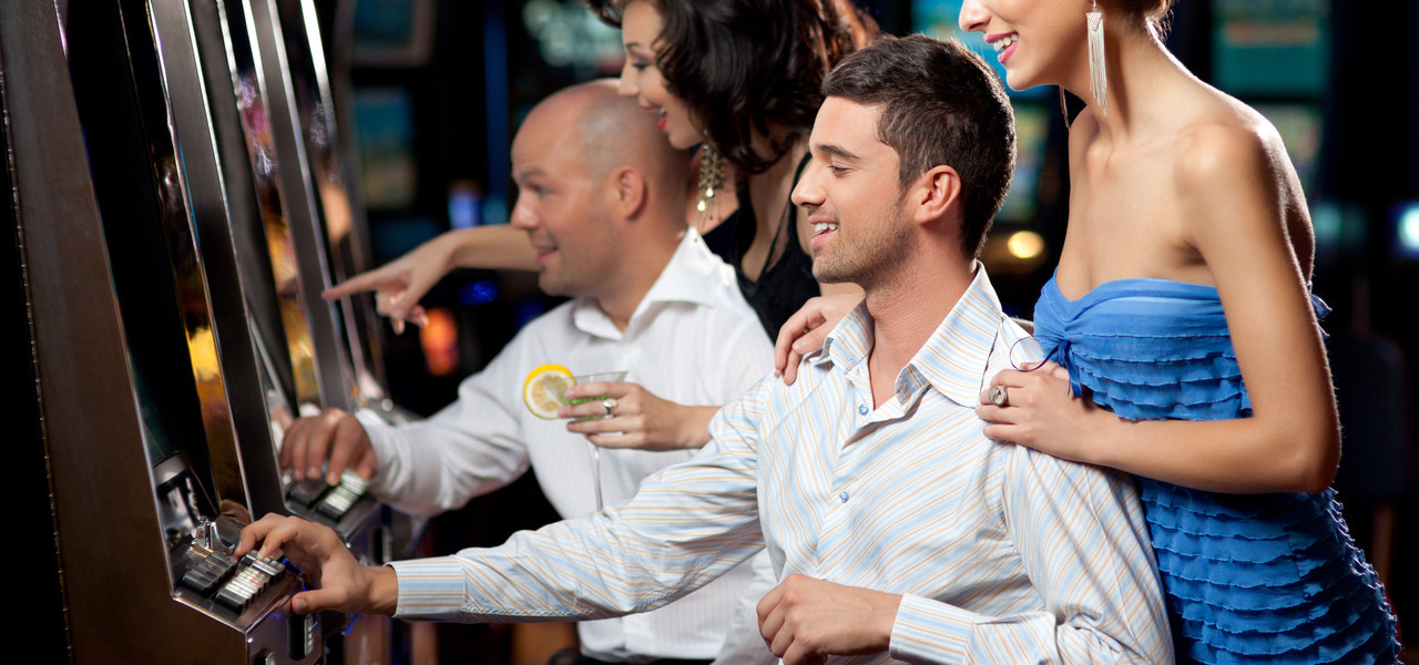 Best Birthday Party Venues In Las Vegas | People Playing Slots