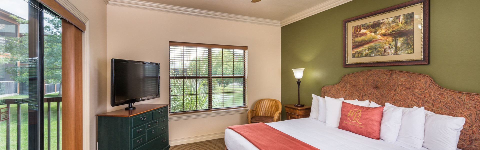 2 Bedroom Villas Suites at our Branson Hotel near Roark Valley Road | King Bed with Terrace