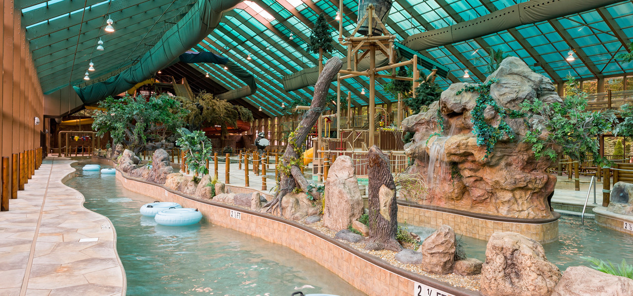 Smoky Mountain Vacation Packages in Gatlinburg | Indoor Waterpark