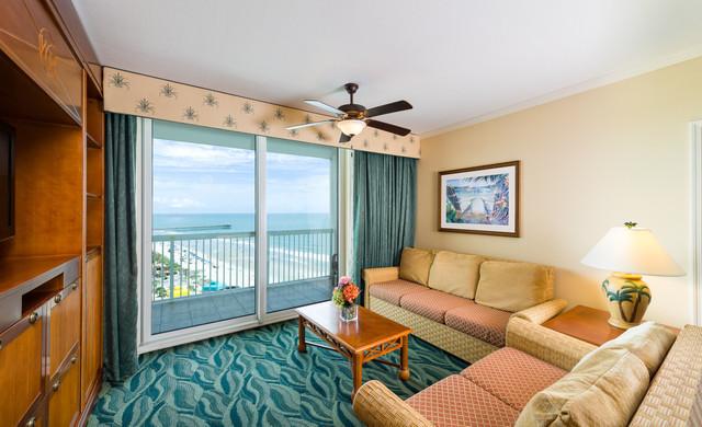 Myrtle Beach Resort and Oceanfront Hotel | Villa Bedroom with Oceanfront Balcony