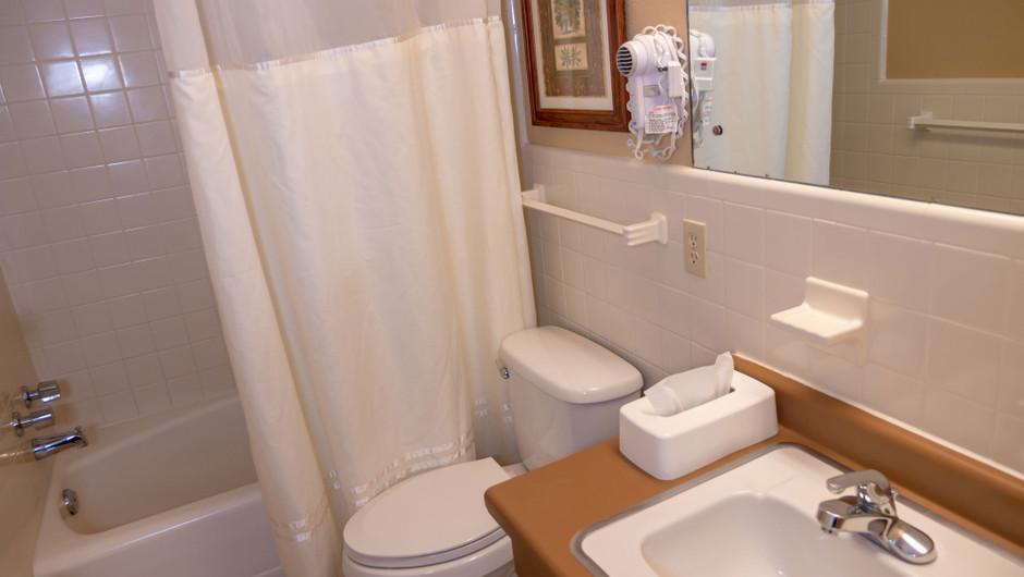 Villa Bathroom - River Terrace Resort
