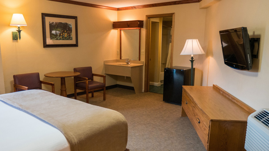 Queen Poolside Guestroom at one of our Pigeon Forge Resorts | Wild Bear Inn | Westgate Resorts in the Smoky Mountains