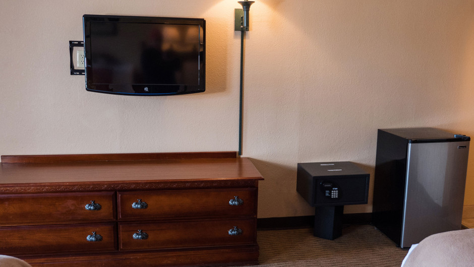 Double Queen Parkway View Guestroom at one of our Pigeon Forge Resorts | Wild Bear Inn | Westgate Resorts in the Smoky Mountains