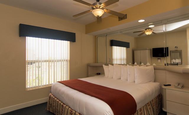 Kissimmee Hotel Florida Resident Discounts | Villa Bedroom
