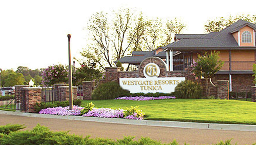 Exterior view and sign at Westgate Tunica Resort