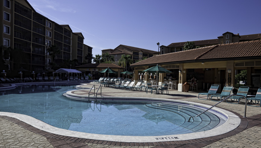 Hotel near Orlando, FL 32819 | Heated Pools
