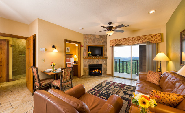 AAA Hotel Discount at Our Gatlinburg Resort near the Smoky Mountains | Spacious Villas