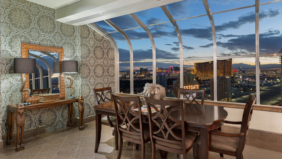 Dining Area with city views in the Gold Coast Suite - Westgate Las Vegas Resort & Casino