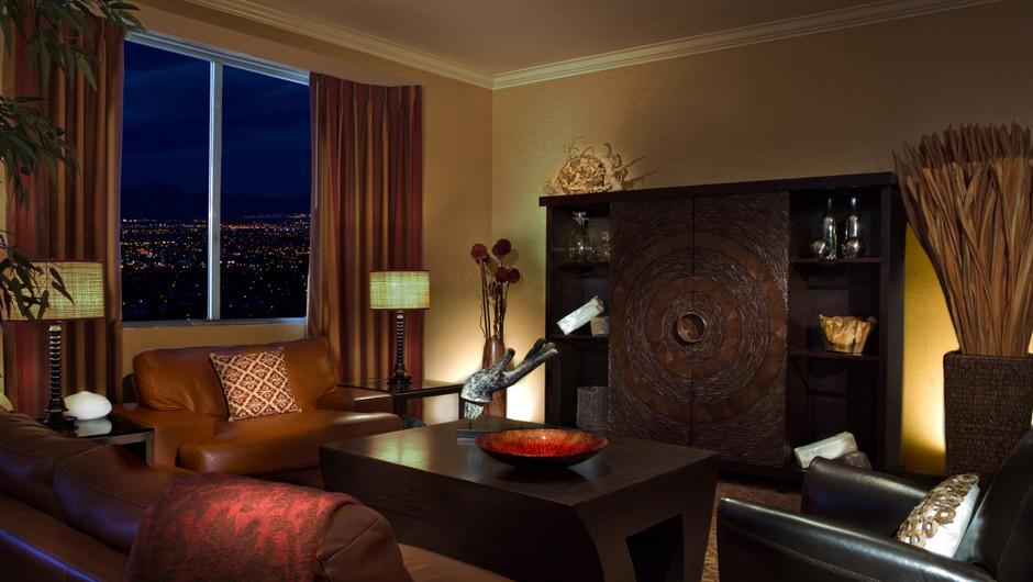 Living Area in the Manhattan Suite | Westgate Las Vegas Resort