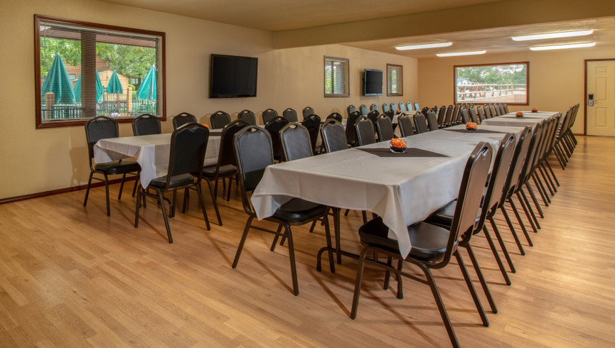 Branson, MO Group Events at our Branson Hotel near Roark Valley Road | Grand Pavilion