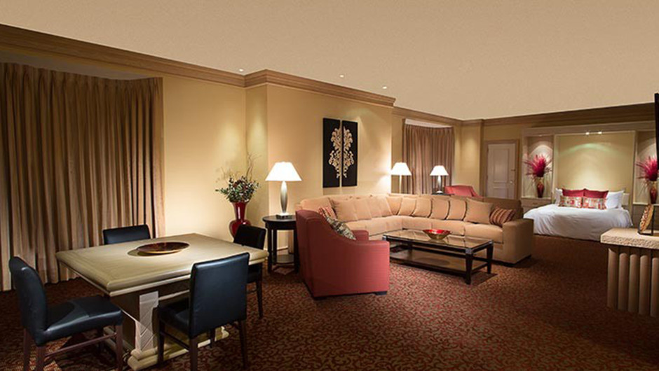 Living Area in the North Tower Parlor - Westgate Las Vegas Resort